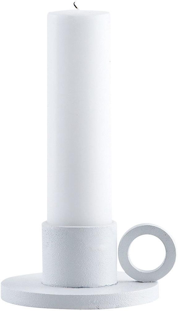 På billedet ser du variationen The Ring, Lysestage til bloklys fra brandet House Doctor i en størrelse D: 10 cm. x H: 5 cm. Lys D: 4,2 cm. i farven Hvid