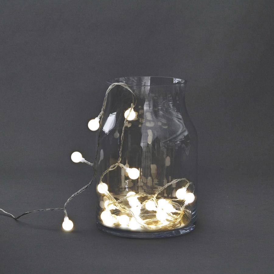 På billedet ser du variationen Lyskæde, Globe fra brandet House Doctor i en størrelse L: 590 cm. i farven Lys