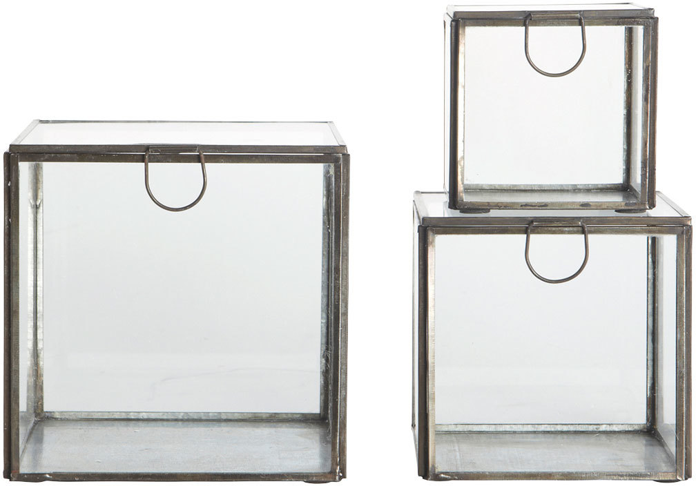 På billedet ser du variationen Opbevaringsbox fra brandet House Doctor i en størrelse S: 9 cm. M: 12 cm. L: 15 cm. i farven Zink