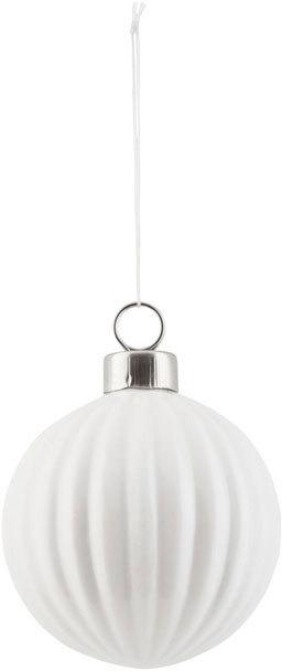 På billedet ser du variationen Ornament, Pleated fra brandet House Doctor i en størrelse D: 7.5 cm. i farven Hvid