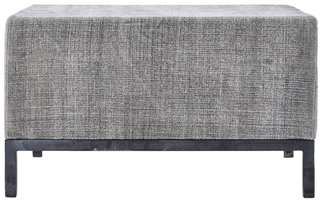 På billedet ser du variationen Puf, Greys fra brandet House Doctor i en størrelse 80 x 80 cm. x H: 45 cm. i farven Grå