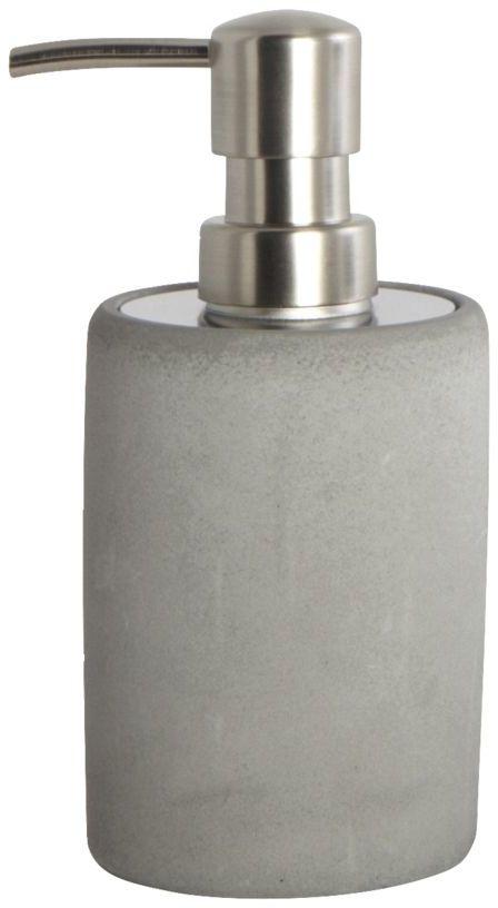 På billedet ser du variationen Cement, Sæbedispenser fra brandet House Doctor i en størrelse H: 17,1 cm. x D: 7,6 cm. i farven Grå/Rustfrit stål