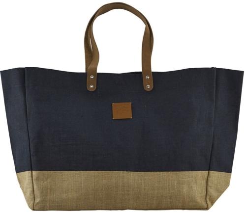 På billedet ser du variationen Shopping taske, Carrie fra brandet House Doctor i en størrelse 53,5 x 16,5 x 38 cm. i farven Blå