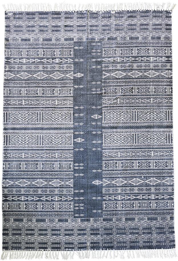 På billedet ser du variationen Tæppe, Julia fra brandet House Doctor i en størrelse 160 x 230 cm. i farven Sort/Hvid