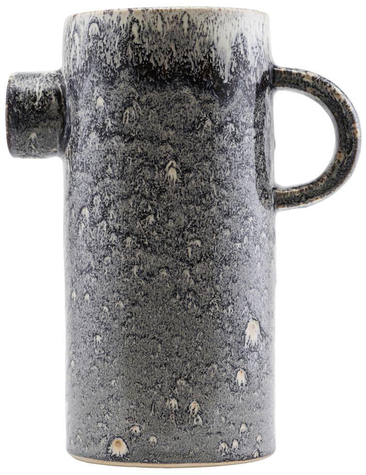 På billedet ser du variationen Pitch, Vase, Kande udformning fra brandet House Doctor i en størrelse 21 x 12 cm. x H: 26 cm. i farven Sort