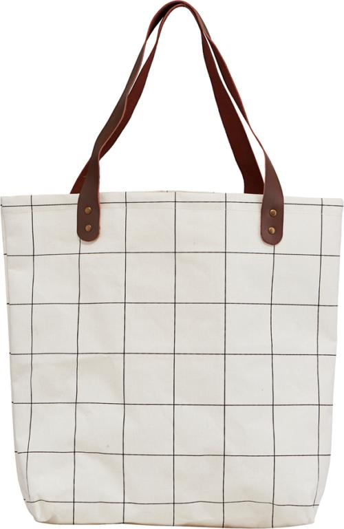 På billedet ser du variationen Taske/shopper, Squares fra brandet House Doctor i en størrelse H: 40 cm. B: 10 cm. L: 45 cm. i farven Hvid