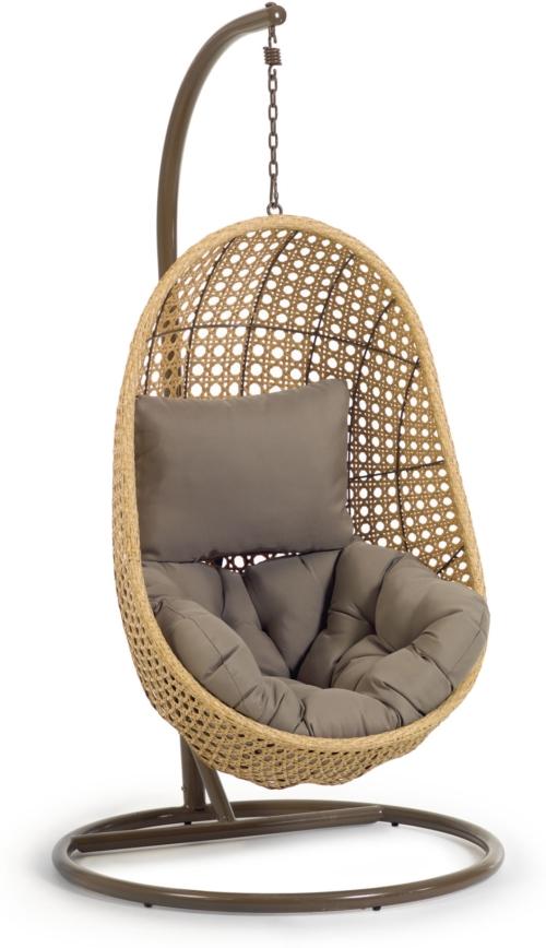 På billedet ser du variationen Cira, Udendørs hængestol med stativ fra brandet LaForma i en størrelse H: 197 cm. B: 105 cm. L: 105 cm. i farven Natur